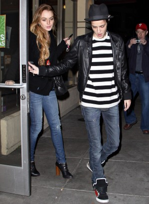 Lindsay Lohan And Samantha Ronson Shop At Kid Robot!